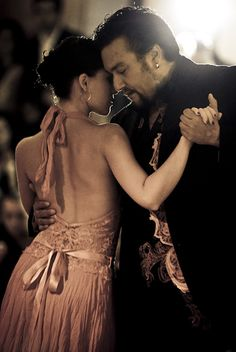 https://flic.kr/p/4GK6NV | Juana y Chicho in Ljubljana | Juana Sepulveda and Chicho Frumboli dancing during their argentine tango performance in Ljubljana, Slovenia early 2008.   This shot was shown in the Decines Photo Expo in 2010 (see here).  See the Ljubljana Videos.  PLEASE Don't use this image without contacting me. Thankyou! This image was used for the publicity of the 11th international tango festival Tangomagia organized by Zandunga tangoproductions.  The shot is using a serendipity…