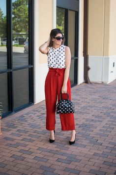 14 Palazzo Pants Outfit For Work - The Finest Feed - Work Outfits Women Casual Work Outfit Summer, Work Casual, Outfit Work, Summer Formal Outfits, Summer Work Dresses, Work Dresses For Women, Casual Office, Office Chic, Spring Dresses