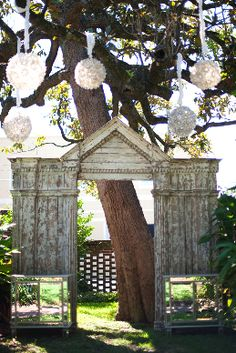 I am in love with this arch... forget about it for just a wedding, I want it for my backyard!!!