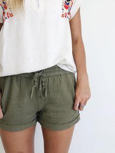Linen shorts || ROOLEE