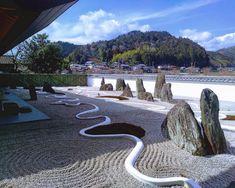 Bild könnte enthalten: Himmel, Wolken, im Freien, Natur und Wasser Zen Rock Garden, Japanese Gardens, Golf Courses, Outdoor, Water, Nature, Japan Garden