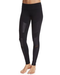 Alo Yoga moto-style performance leggings in mixed matte/shine fabric. Approx…