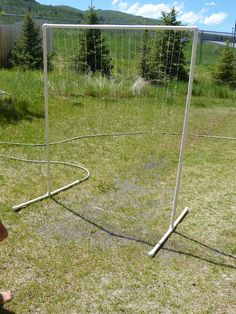 Would be so much fun for the kids to play in, and no more weird sitting on the sprinkler stuff. DIY PVC Pipe Play Sprinkler