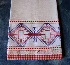 Pano de prato de saco branco bordado em vagonite R$ 20,00