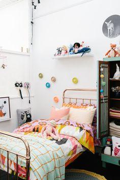 Dormitorio colorido. Colorful kids bedroom.