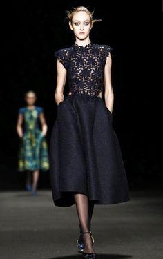 Monique Lhuillier Fashion Week New York 13.fev.2015