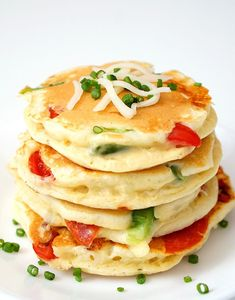Pizza Pancakes are a quick and easy dinner idea that your whole family will love! Personalize them with your favorite pizza toppings for a delicious family dinner in under 30 minutes! Dinners For Kids, Kids Meals, Pancakes For Dinner, Brunch, Best Comfort Food, Comfort Foods, Delicious Sandwiches, Delicious Recipes, Quick Easy Dinner