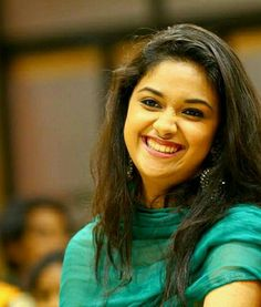 Tuhje ek dum tight slap pada na who maina galti sa itna fast Marr Diya tha Mai tho buss touch Kar na Wala tha Indian Film Actress, South Indian Actress, Indian Actresses, Beautiful Smile, Beautiful Women, Indian Face, Most Beautiful Indian Actress, India Beauty, Keerti Suresh