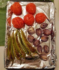 Grillade grönsaker är ett gott tillbehör till maten, kan ätas istället för sallad till en bit kött, bröd eller kyckling De allra flesta grönsaker funkar. Zucchini, aubergine, champinjoner, ta det du tycker om!
