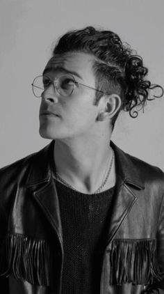 """mxttmurdocks: """" // Matty Healy for MTV's Cover Story: The 1975 // """"""""If you do what I do every single night, and you get the choice to play to that group of [crusty, liberal, North Londoner] people or a bunch of screaming, younger girls who fucking..."""