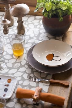 Table Settings, Tables, Chic, Ethnic Recipes, Collection, Food, Fall Home Decor, Kitchens, Mesas