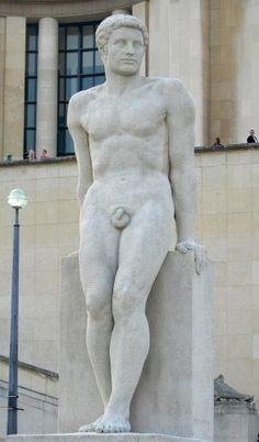 "Pierre Traverse, ""L'Homme [Man],"" marble, located in Paris XVI at the Jardins du Trocadéro. Statues, Antoine Bourdelle, Paris, Gaston, Stone Carving, Michelangelo, Erotica, Contemporary Art, Sculptures"