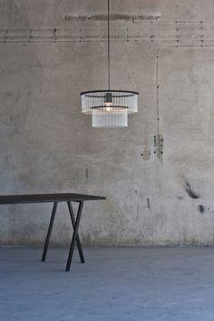 Maria S C chandelier in black version