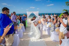 View photo on Maharani Weddings https://www.maharaniweddings.com/gallery/photo/163033