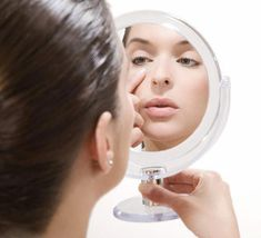 6 easy ways to improve dark circles and under-eye bags #BumpsUnderEyes Best Beauty Tips, Natural Beauty Tips, Beauty Make Up, Beauty Hacks, Under Eye Creases, Bumps Under Eyes, Homemade Eye Cream, Dark Under Eye, Under Eye Bags