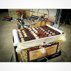 Bike food da Mais Brigadeiro! Imagine ela cheinha de brigadeiros na sua festa/ eventos?? #bikefood #maisbrigadeiro #braziliandessert