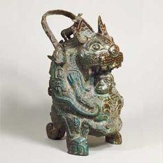 虎卣 中国・西周時代 紀元前11世紀 京都・泉屋博古館蔵