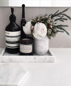 Home Accessories – Heilbad Vignette - RaumDekoration Apartment Decoration, Laundry In Bathroom, Bathroom Black, Bathroom Cleaning, Bathroom Inspiration, Bathroom Ideas, Bathroom Vanity Decor, Bathroom Tray, Modern Bathroom Decor