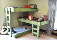 L Shaped Triple Bunk Bed Plans Free — Home Furniture Ideas Triple Bunk Beds Plans, Bunk Bed Plans, Kids Bunk Beds, Loft Beds, Diy Bett, Modern Bunk Beds, Bunk Bed Designs, Shared Bedrooms, Boy Bedrooms