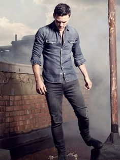 Men's Health Magazine November 2014 Issue: Cover star Luke Evans -Photography by David Clerihew (part 2)