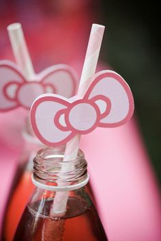 Hello Kitty Party: I think this is the cutest! Serve Pomegranate juice and top it with a Hello Kitty ribbon =) Hello Kitty Bow, Hello Kitty Themes, Girl Birthday, Birthday Parties, Birthday Ideas, Hello Kitty Birthday Party Ideas, Husband Birthday, Birthday Cakes, Decoracion Hello Kitty