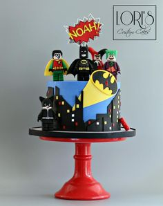 Lego Batman and friends  by Lori Mahoney (Lori's Custom Cakes)