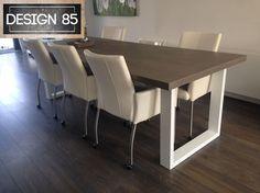 Schitterende tafel met een eiken tafelblad en een wit stalen onderstel.  Maatwerk is mogelijk bij Design85.   Voor meer informatie, kijk op www.design85.nl