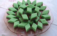 false marzipan - no almonds needed! Amazing Food Dishes, Honeydew, Cantaloupe, Fudge, Frosting, Ale, Sweets, Cookies, Fruit