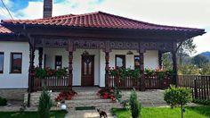 Nici nu îţi vine să crezi că este o construcţie… Narrow House, European House, Village Houses, Rustic Gardens, Indian Home Decor, Country Art, Modern Landscaping, Traditional House, Design Case