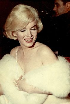 Rare color photo of Marilyn Monroe at the Golden Globes, 1960.