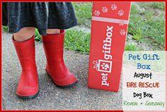 PetGiftBox.com cat or dog subscription box giveaway ends 9/13/2016