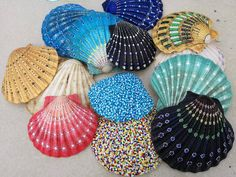 Dot painted seashells by Aggie Janssens may 2017