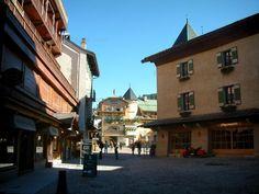 Megève: Negozi e case nel villaggio (stazione di sport invernali ed estivi) - France-Voyage.com
