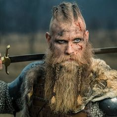 Viking Beard Tips and Styles (Part 1 of The Vikings are famous not only for their outstanding warfare tactics but also for their ahead-of-time style. They were not one hundred percent fierce, dirty, and burly men. The Viking men and women got accustomed Arte Viking, Viking Men, Viking Life, Viking Warrior Men, Viking Beard Styles, Hair And Beard Styles, Beard Styles For Men, Hair Tips For Men, Men Hair