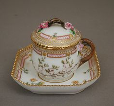 Custard cup with cover and tray Royal Porcelain Manufactory, Copenhagen,1880–90