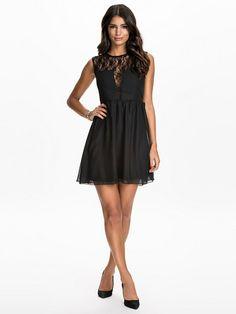 Zwart jurkje nelly