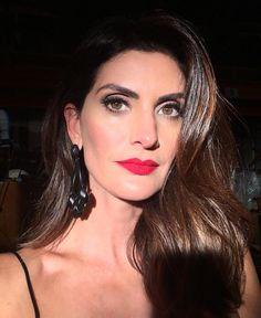 Make de hj @bibidomiciano cabelo @_sanferreira batom #rubywoo da @maccosmetics