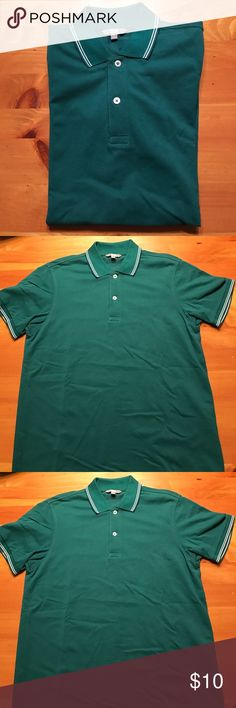 Polo shirt Uniqlo green polo shirt with white tipped collar and sleeves. Only worn a few times. In excellent condition. Uniqlo Shirts Polos
