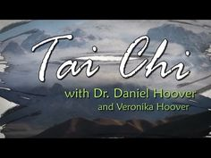 Tai Chi Chuan is a slow moving internal martial art that helps improve our balance and health in many ways. Welcome to Tai Chi for beginners. This first episode is an introduction to Tai Chi Chuan con Daily Meditation, Chakra Meditation, Meditation Music, Mindfulness Meditation, Reiki Chakra, Tai Chi For Beginners, Workout For Beginners, Tai Chi Moves, Tai Chi Classes