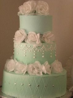Weddbook is a content discovery engine mostly specialized on wedding concept. You can collect images, videos or articles you discovered organize them, add your own ideas to your collections and share with other people - Looking for wedding cake ideas? And don't know what cake you need to pick up? We have an idea! Green mint color is a perfect color for a chic and elegant wedding. If you're a big fan of gentle colors and cute décor ideas, these wedding cakes are for you!