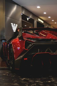 Close up of the amazing splitter on the Lamborghini Veneno (check out https://www.flickr.com/photos/beyondspeedphotography/15785167041/ for full gallery)