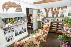 Yonder Way Farm Store (nesting box shelf)