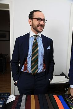 "shibumi-berlin: "" Benedikt in triple Shibumi: Repp Tie, Linen Square, Bordeaux Braces. We don't sell ties, we sell happiness. Preppy Men, Preppy Style, Men's Style, Gq Fashion, Classic Wardrobe, Suit And Tie, Well Dressed Men, Gentleman Style, Stylish Men"