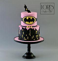 Batman by Lori Mahoney (Lori's Custom Cakes)