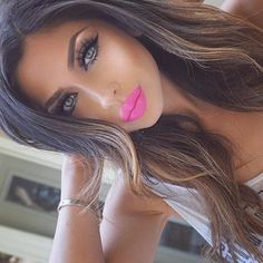 "Flawless look on @anette_yay wearing Motives LBD Gel Liner!  MOTD @velourlashesofficial ""Doll me up"" @tartecosmetics ""Tartelette in Bloom"" eyeshadow palette @motivescosmetics ""Little Black Dress"" liner @beautybakeriemakeup eyescream ""Teddy Graham""  @anastasiabeverlyhills Dipbrow ""Dark Brown"" @toofaced Born this way foundation ""Sand"" @benefitcosmetics Hoola Matte bronzer  @benefitcosmetics High Beam Liquid Highlighter @gerardcosmetics Hydra Matte lipstick "" Summer Lovin' ""…"