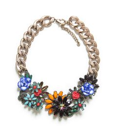 Celebrities who use a Zara Jewelled Flowers Necklace. Also discover the movies, TV shows, and events associated with Zara Jewelled Flowers Necklace. Colar Floral, Floral Necklace, Crystal Necklace, Women Accessories, Jewelry Accessories, Women Jewelry, Fashion Jewelry, Maxi Collar, Flower Choker