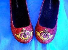 Etsy の Sailor Moon Glitter Shoes by aishavoya
