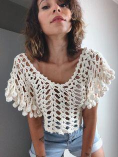 Crochet Leaf Patterns, Crochet Bedspread Pattern, Crochet Designs, Crochet Summer Tops, Crochet Crop Top, Crochet Blouse, Crochet Skirts, Crochet Clothes, Crochet Fashion