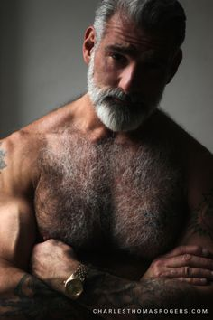 Now this is a real man! And just my type! No bout a dought it! Hello, Big guy!