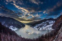 România în haine de iarnă, cele mai frumoase peisaje din toată țara. Mountain Range, Trees To Plant, Wilderness, Mount Everest, Scenery, Mountains, Landscape, Mai, Drawings